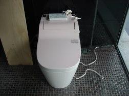 トイレも日本製