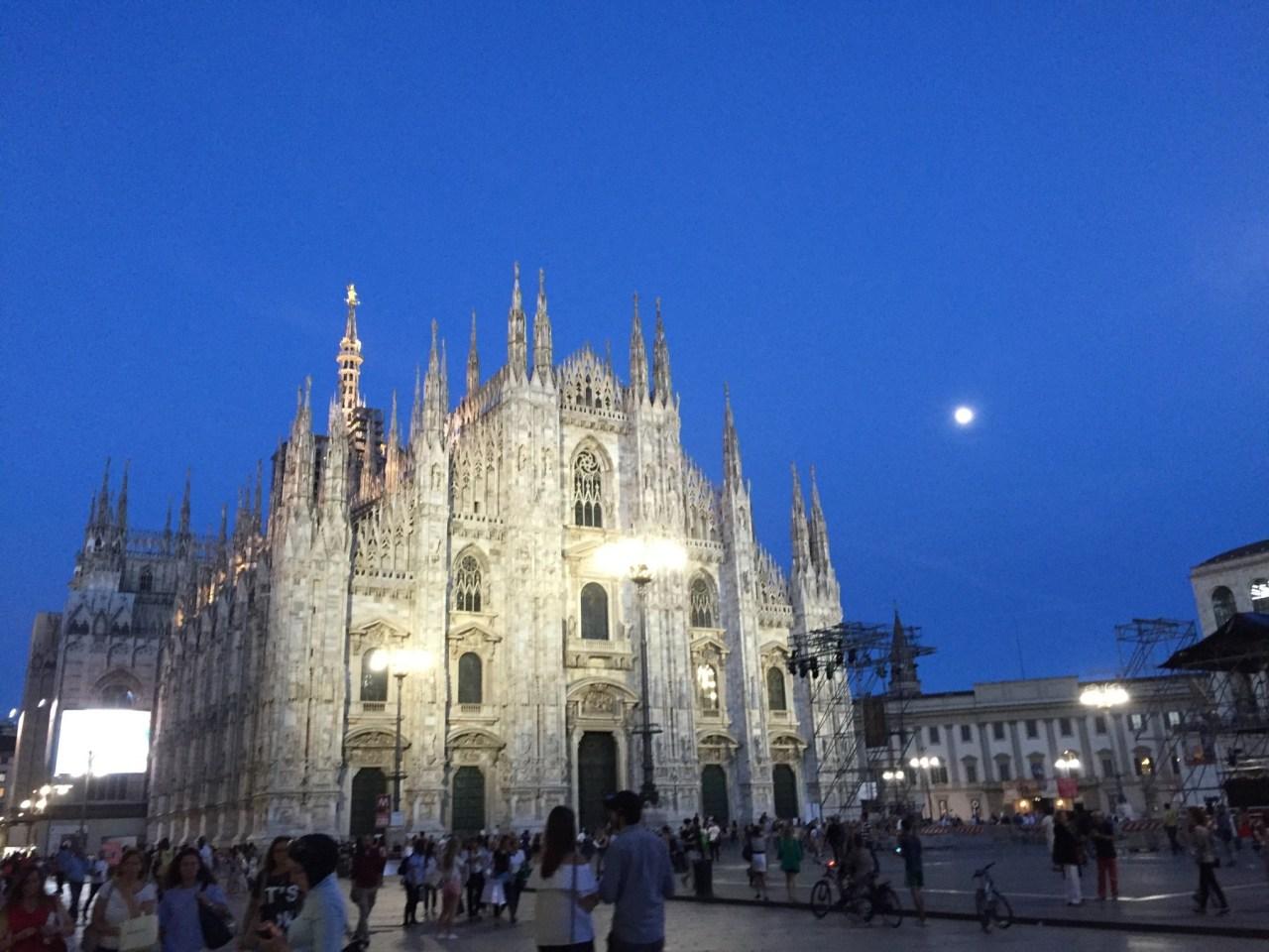 ミラノ ドゥオモ 夜景