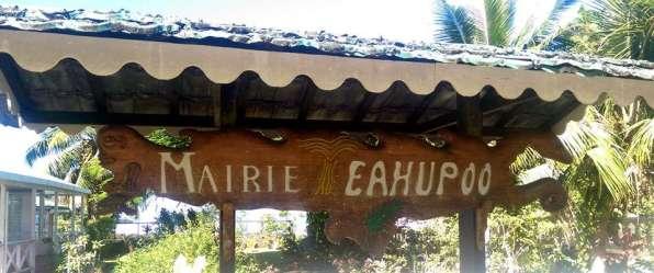 Sign at Teauhupoo City Hall. Photo by Kevin Chang