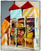 קוביות פאזל גדולות מעיסת נייר. Paper Mache Cubes