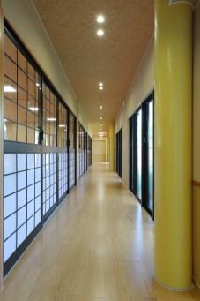 17 廊 下