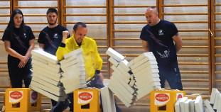 Crnogorac Žarko Janković oborio je rekord u razbijanju siporeks ploča laktom, istovremeno držeći jaje u ruci, razbivši 82 ploče za 9,74 sekunde, odnosno četiri ploče više od prethodnog svjetskog rekorda, koji je držao Austrijanac Adem Dulas. ( Ahmed Bešic - Anadolu Agency )