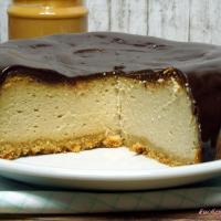 Erdnussbutter Cheesecake mit Schokotopping