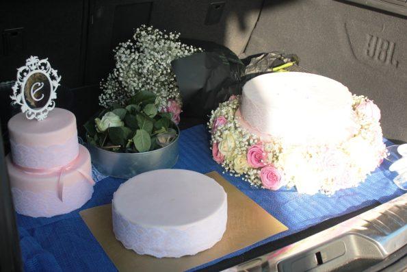 Hochzeitstorte Mit Spitze Und Echten Blumen Kuchen Kind Und Kegel