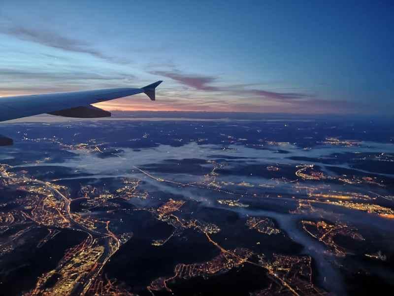 Blick aus dem Flugzeug, Stuttgart von Oben, Flugzeug, Fliegen, Über den Wolken