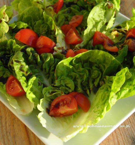 Sałata rzymska z pomidorami