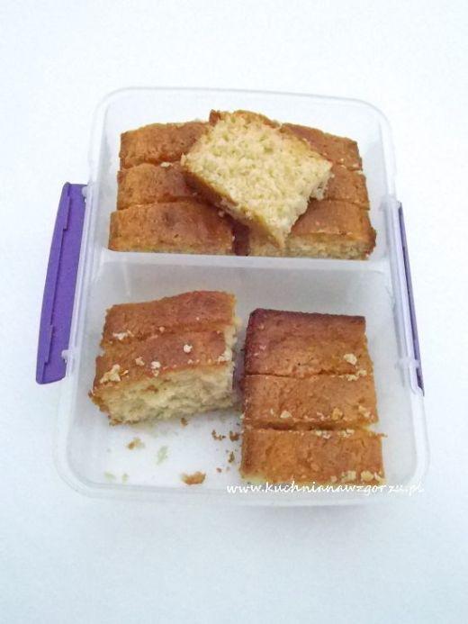 ciasto cytrynowe z wiórkami kokosowymi