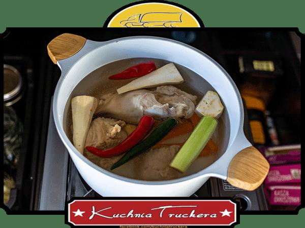 Pikantna zupa kurkowa na indyku