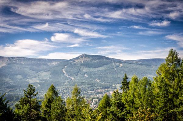 Widok na najwyższy szczyt Karkonoszy oraz Sudetów
