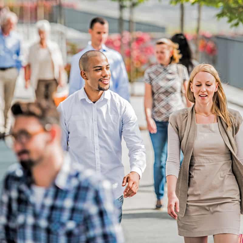 business online marketing - people walking