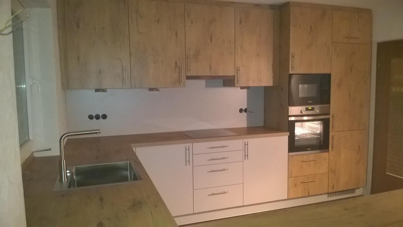 Wie Hoch Spritzschutz Küche | Moderne L Küche 2093 Musterküchen ...