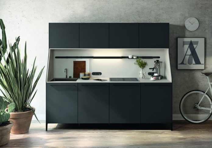 """The elegant, free-standing kitchen module of the series """"URBAN"""" SieMatic can also be used as a storage space dispenser in addition to an existing kitchen.  Since it is similar in structure to a living room cupboard, it fits perfectly as a showcase in the transition from the open kitchen to the living room.  (Photo: SieMatic)"""