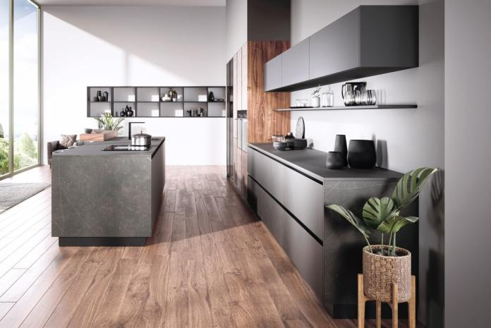 The noble ceramic decors imitate marble and can be used for fronts, worktops and rear wall niches.  (Photo: Villeroy & Boch)