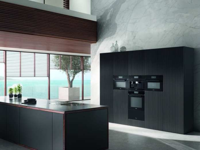 Anodized stainless steel or carbon coating?  All black kitchen appliances are high quality and durable - and a luxurious eye-catcher.  (Photo: Miele)