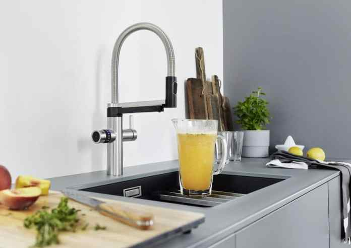 The BLANCO EVOL-S Pro Soda & Filter faucet has 2 spouts, from which you can choose between normal warm and cold water or filtered water in still, medium or sparkling form.  (Photo: BLANCO)