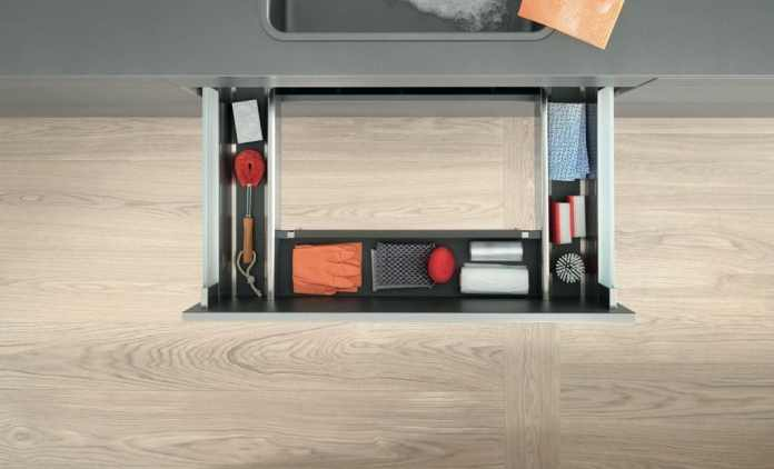 """Every drawer in the household can be optimized - even the one that hugs the sink and actually one """"empty"""" Aperture should be.  (Photo: Blum)"""