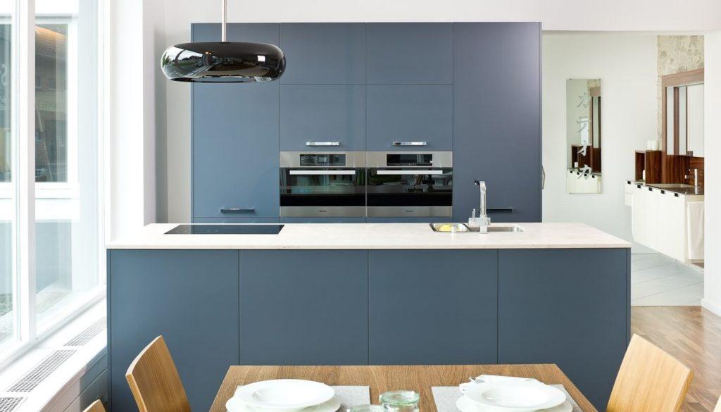 k che arbeitsplatte blau arbeitsplatte k che blau sch ne. Black Bedroom Furniture Sets. Home Design Ideas