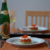 Rezept: Lachstatar auf Gurkengelee