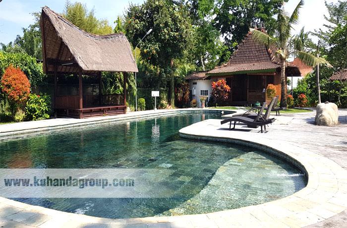 Indian stone lebih indah dan natural untuk finishing kolam renang.