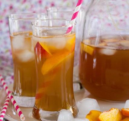 Hladni čaj od breskve / Peach ice tea