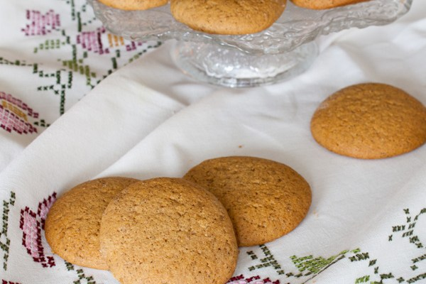 Vrtaljica medenjaci / Honey biscuits