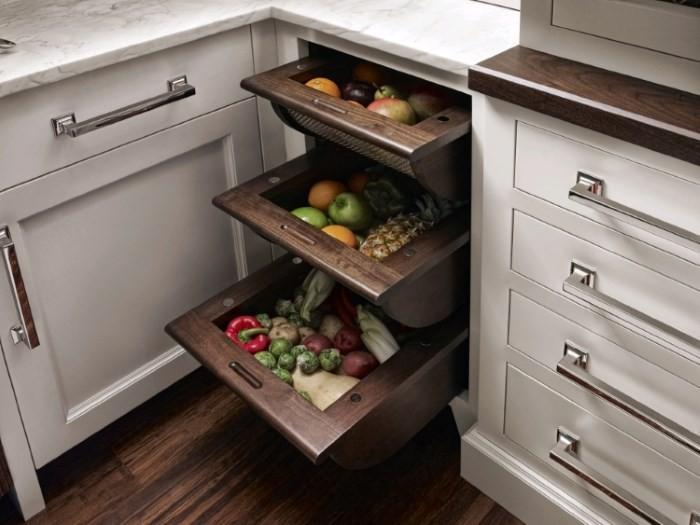 Ящики для хранения овощей на кухне