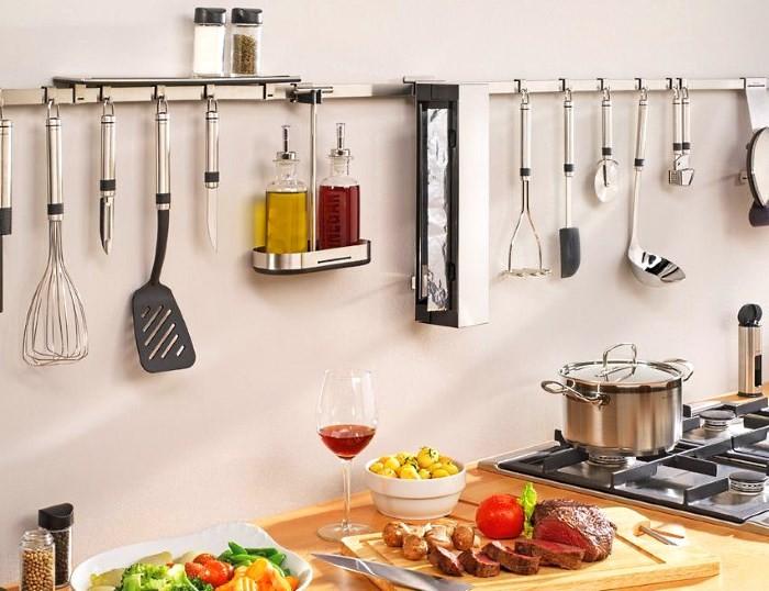 Хранение на кухне: размещение аксессуаров