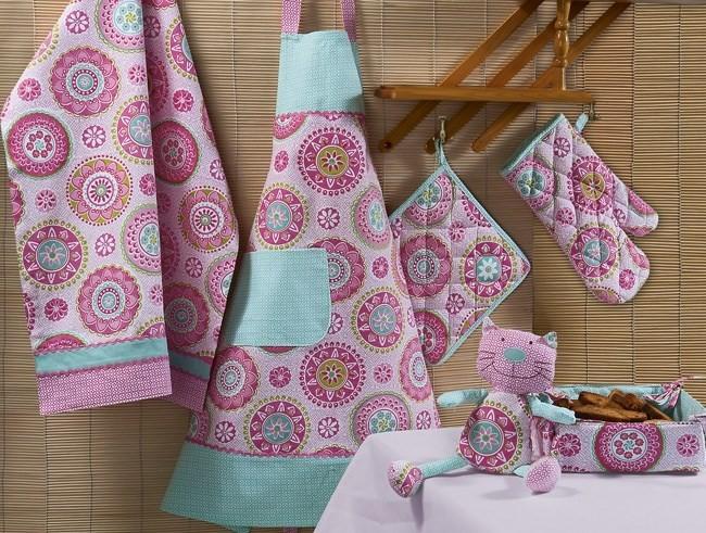 Текстиль для кухни своими руками: полотенце, фартук, прихватки