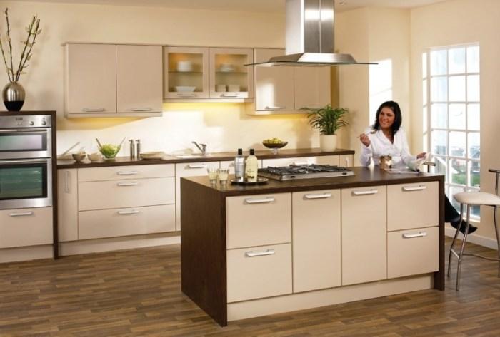 Кухня бежевого цвета в современном стиле