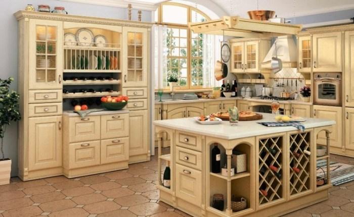 Кухня с буфетом