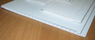 Доступный ремонт: виды и монтаж потолочных панелей из пластика