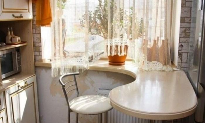 Стол вместо подоконника