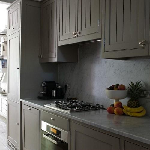 Серые кухни