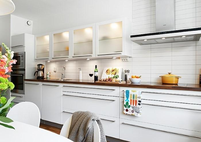 Стеклянные дверцы кухонных шкафов