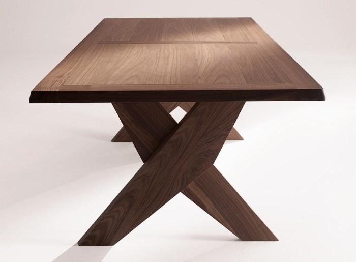 Обеденный дубовый стол