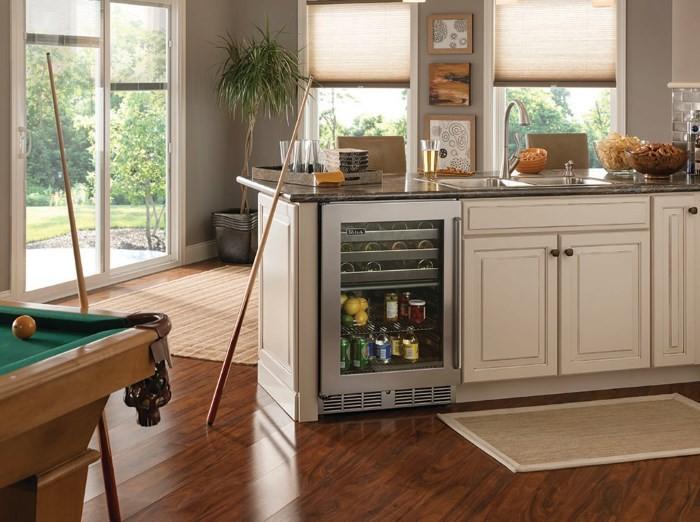 Встраиваемый холодильник для напитков