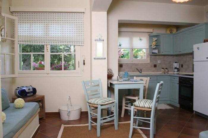 Интерьер кухни в греческом стиле