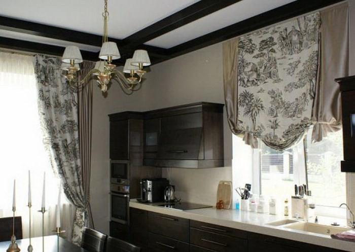 Английские шторы на кухне