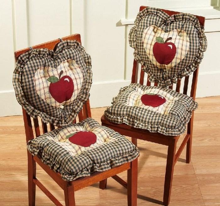 Мягкая накидка на стул