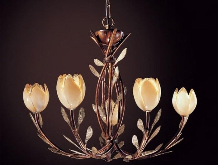 Дизайн люстры в классическом стиле