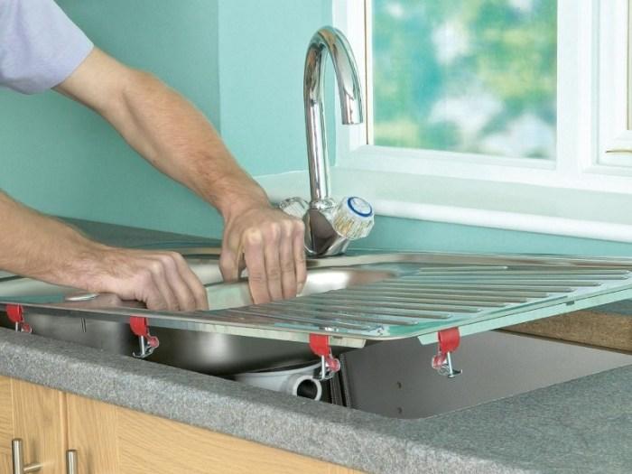 Монтаж кухонной мойки