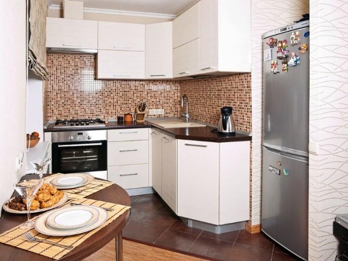 Роль фартука в обустройстве маленькой кухни