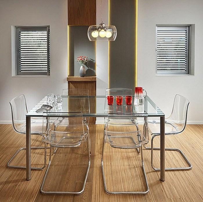 прямоугольный стол со стеклянной столешницей