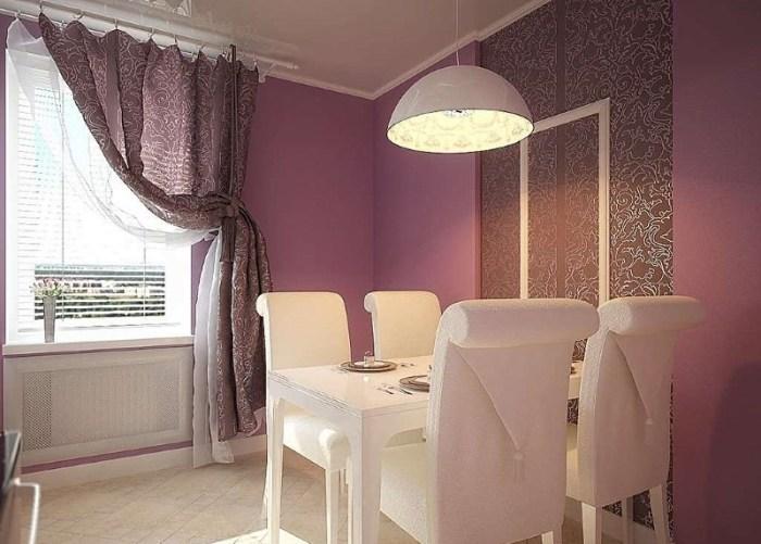 занавески на фиолетовой кухне