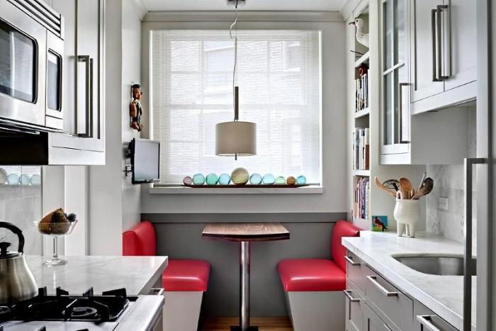 небольшой стол на 10 метровой кухне