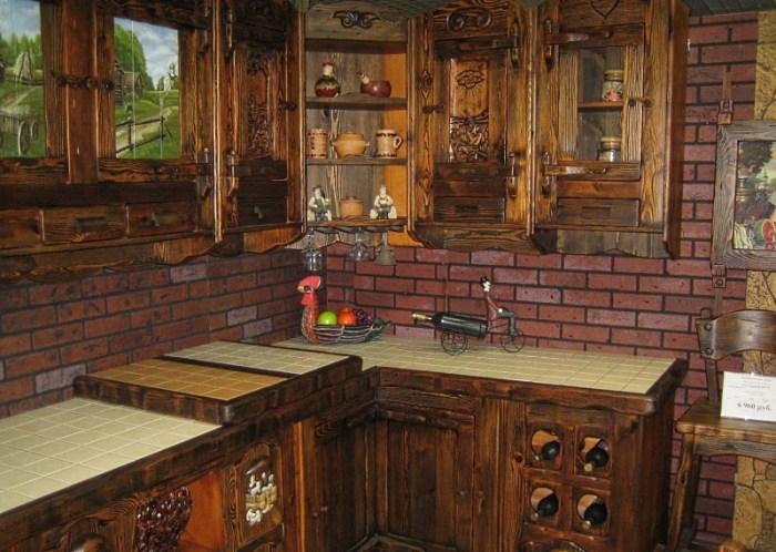 Тонированная кухня из сосны