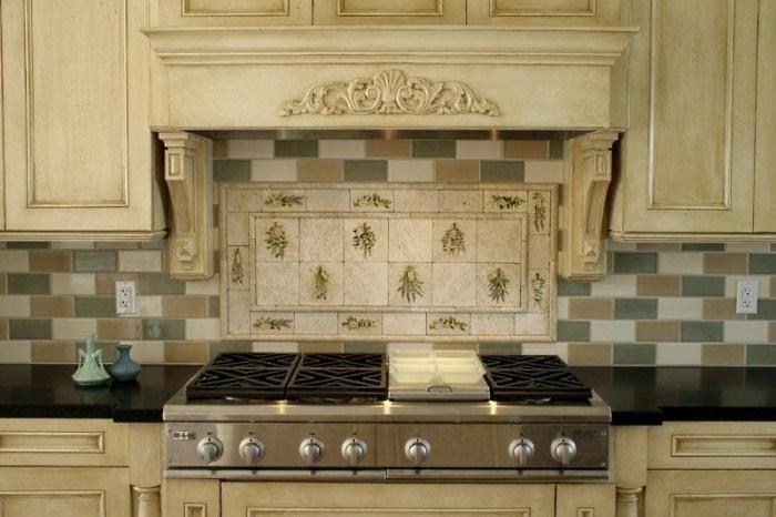 Плитка над печкой на кухне