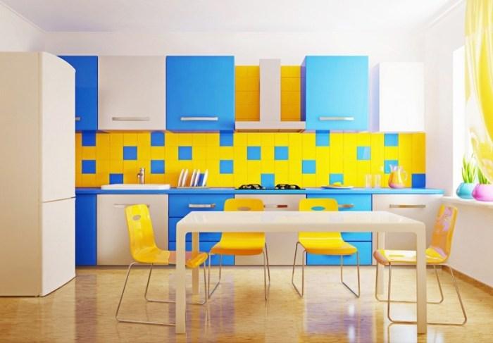 Желтый и голубой цвет на кухне