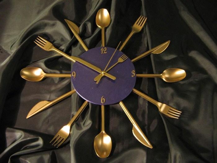 Часы на кухню презентабельно и с юмором