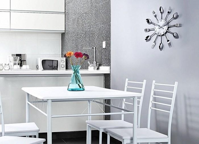 Часы с юмором на кухню в стиле минимализм